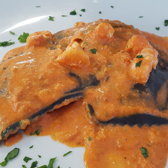 ravioli with salmon with shrimp sauce